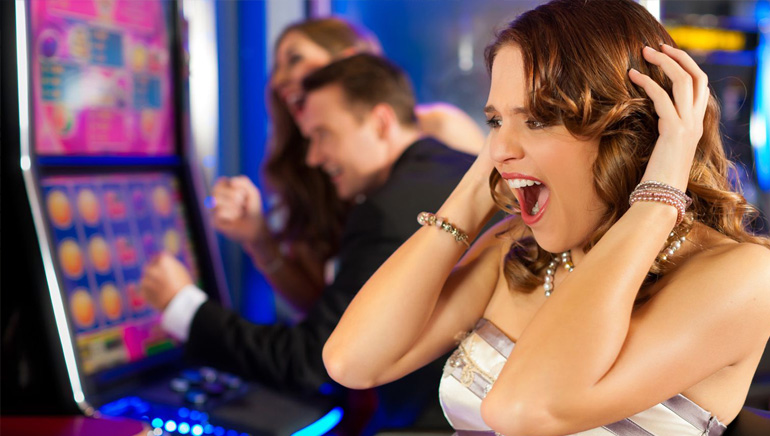 Bonuses, Free Spins And More Promos At Casino Maxi